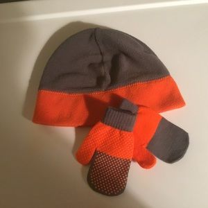 Children's Place Boys Beanie and Mittens.